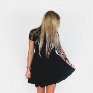 BLACK FLAIR MINI DRESS